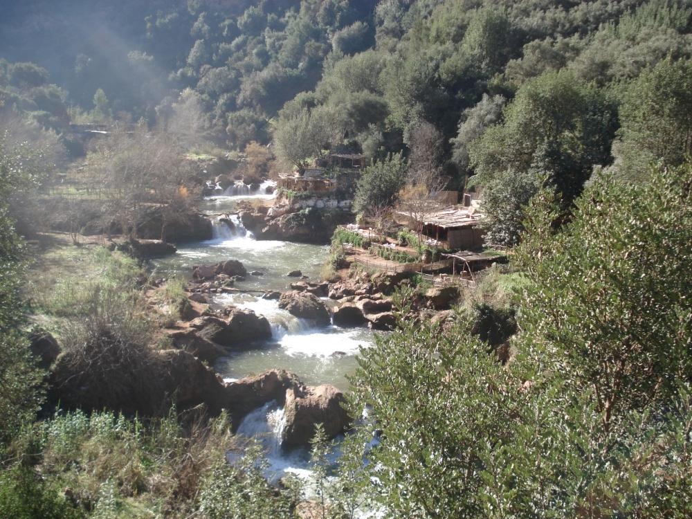 Ouzoud krioklys gamta kalnai
