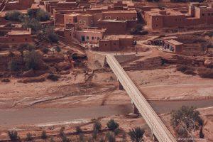Ait Benhaddou morocco bridge kasbah