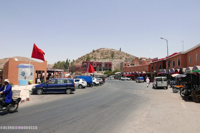 Lalla Takerkoust, village, mountain, moroco, cars, flag