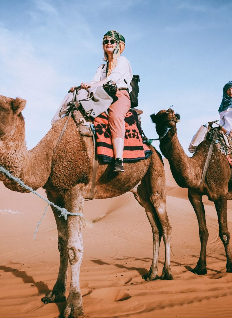 What to bring for the night in the Sahara desert of Morocco